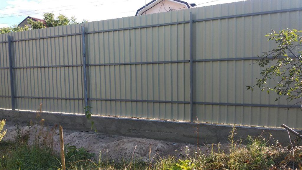 Коричневый Забор из Профнастила - обратная сторона